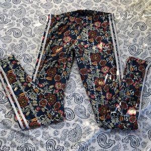 Adidas floral leggings! 💐